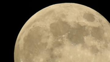 Армия НЛО на Луне