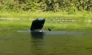 Под Челябинском полтергейст вселился в лодку