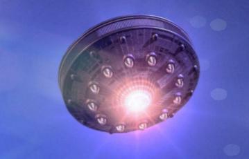 НЛО трансформер наблюдали в небе над США