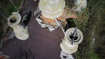 Заглянули в башни храма с квадрокоптера